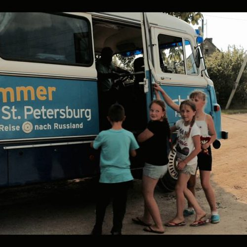 Einsieg in den Robur-Bus - Krasnolessje